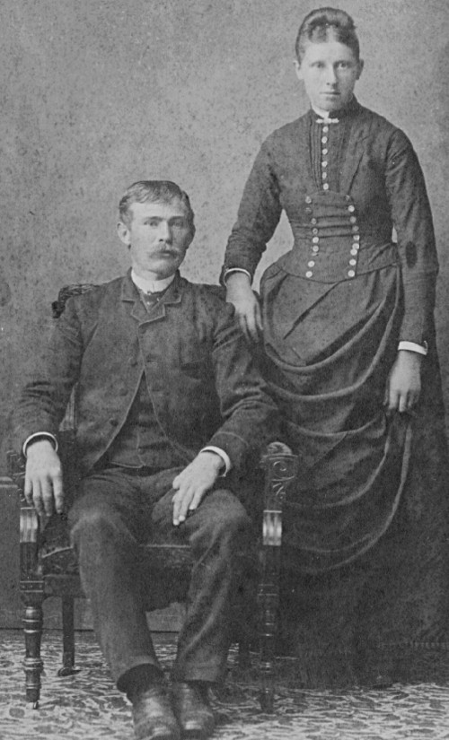 Black and white photo of Hendrik Lotterman and Grace Broene Lotterman