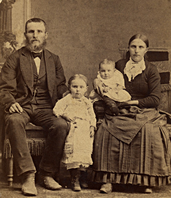 Jan Egbert Olthof, Kate Smith Olthof, and their first two children