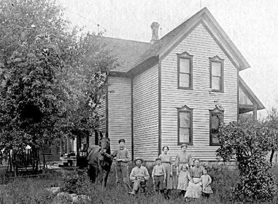 Photograph of the Jan Hendrik Gemmen farm house on 52nd Avenue.