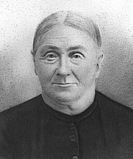 Black and white portrait of Jennechien Dyke Broene.