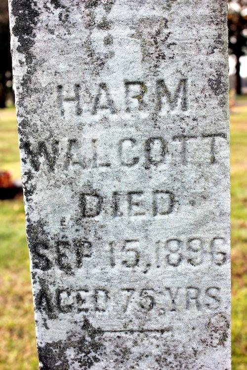 Harm Walkotte's grave marker.