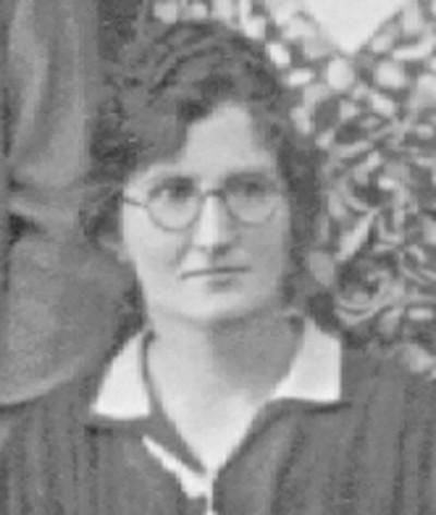 black and white photo of Jennie Lotterman, Sena Gemmen's half-sister