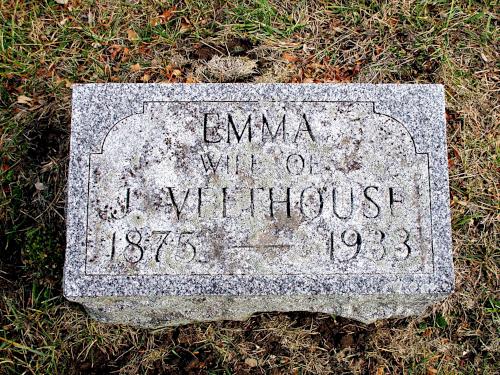 Grave marker of Jan Veldhuis' wife Emma.