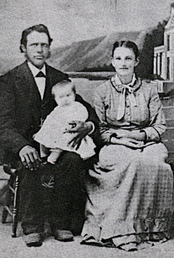 Photo of Gerrit Lemmen, wife Kaatje Den Bleyker, and their first child.